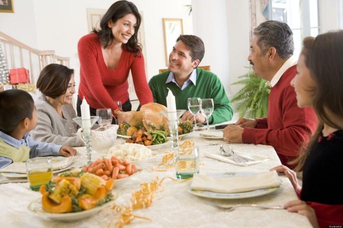 o-FAMILY-CHRISTMAS-DINNER-facebook.jpg