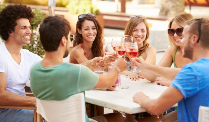 friends-having-lunch.jpg