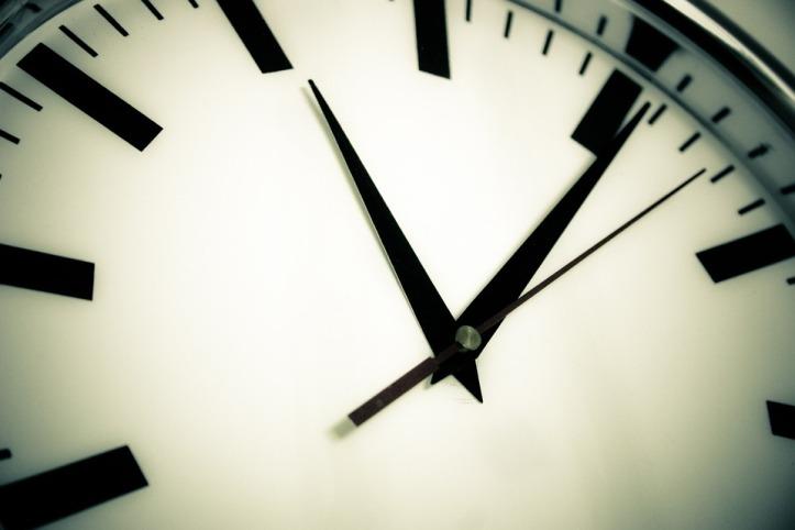 clock-594178_960_720